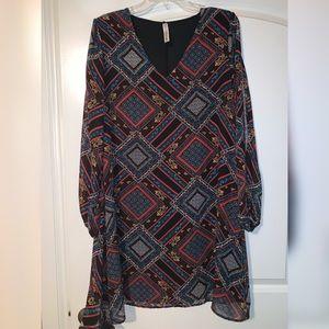 Long sleeve pattern slit sleeve flowy dress